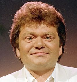 266px-André_Hazes(Cropped)